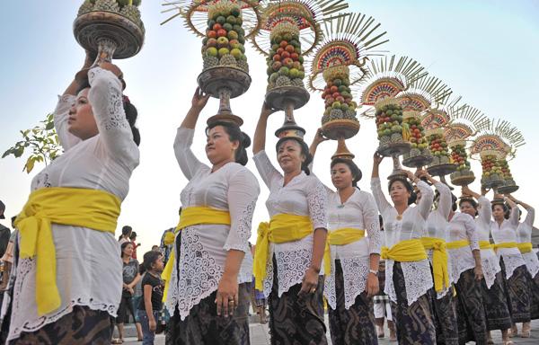 Badung-Culture-Fes-291014